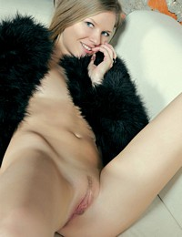 03 Femjoy 2011 11 20 Kitty