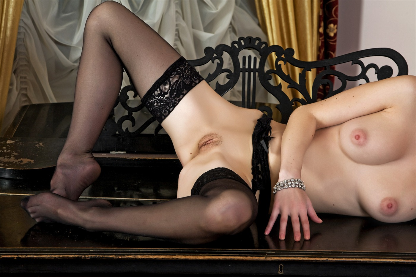 Have hit Erotic art gallery los angeles recommend you