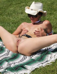 Public Nude Pussy