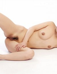 Chinese Nude Zhuangyuang Pussy