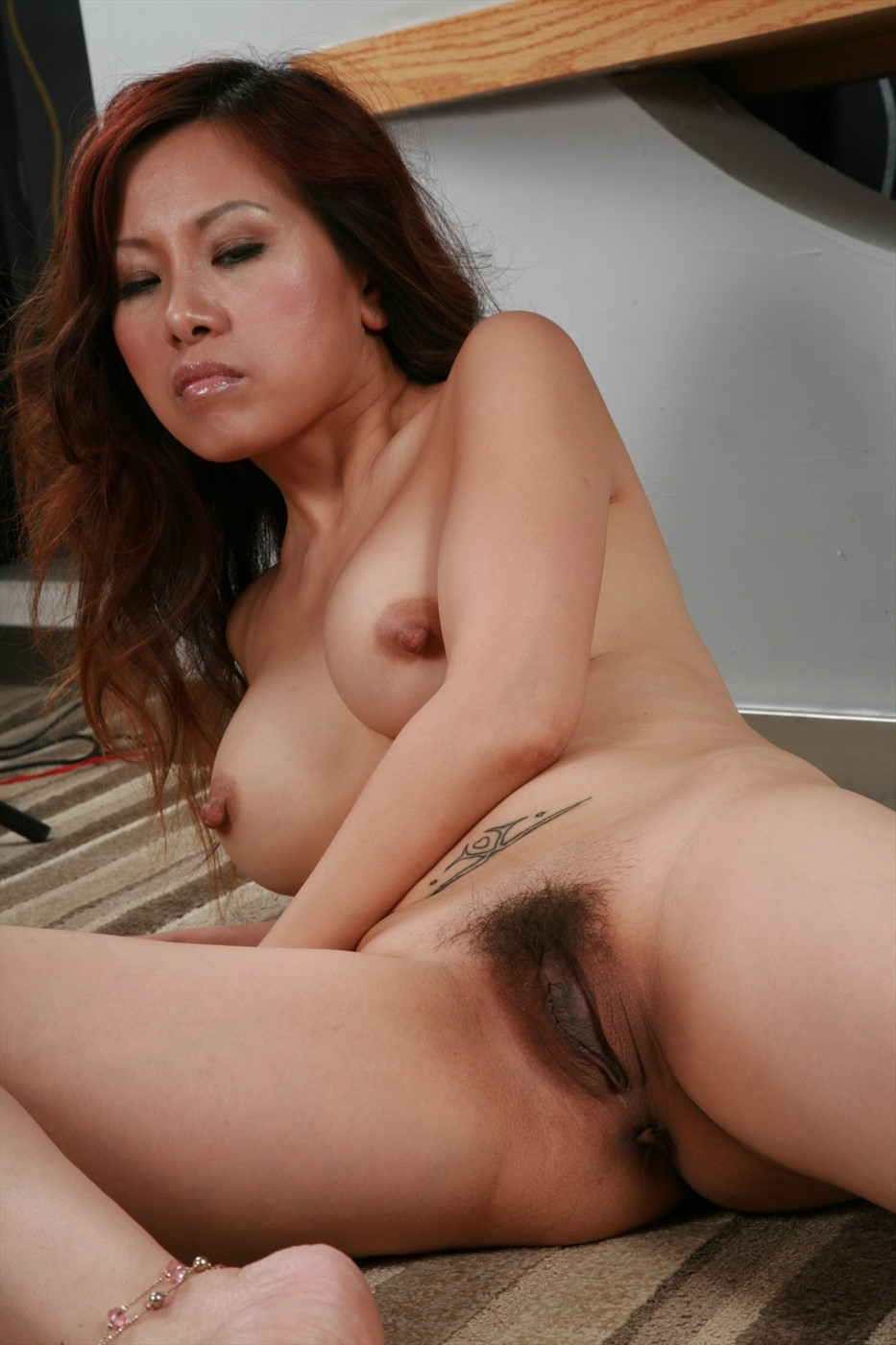 Free hairy pussy woman