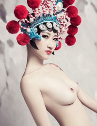 Chinese Nude Girl In Ancient Costume