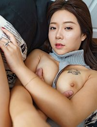 Chinese Girl Linger Fat Pussy