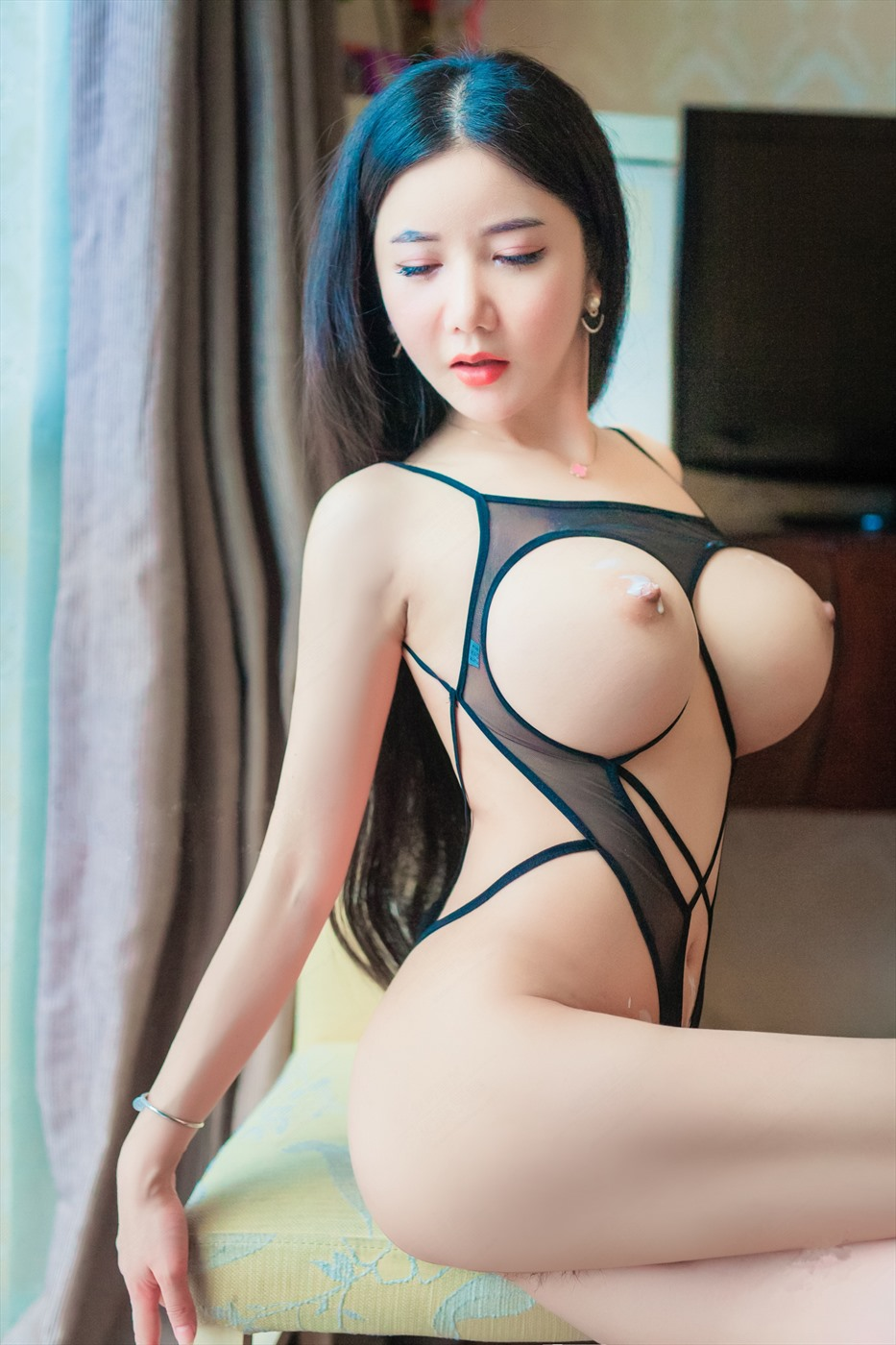 Nude China topless pic